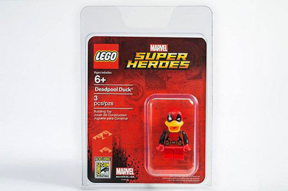 Deadpool-Duck-SDCC-LEGO-minifigure-1