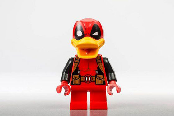 Deadpool-Duck-SDCC-LEGO-minifigure-2