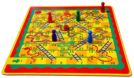 Snakes_and_Ladders_on_White
