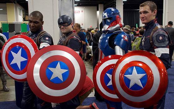 Source: 2015 Boston Comic Con Floor - Ed Quinn - Flickr.com